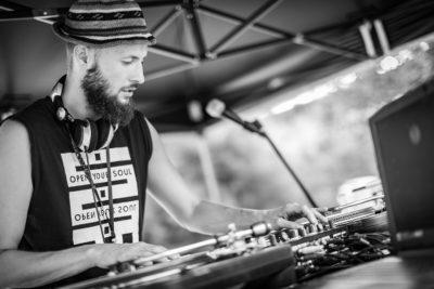Prowadzący w szkoła DJ w Opolu